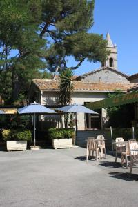 Photo of Hotel Le Flamant Rose Logis   Camargue