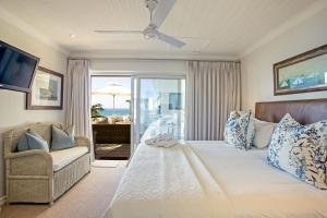 Standard King Room with Sea View - Colonial Room