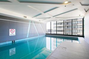 EPIC DESIGN Bay views *WIFI GYM POOL PARKING SAUNA, Apartmány  Melbourne - big - 13