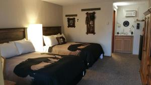 Premium Room with 2 Full Beds