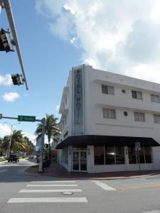Photo of Royal Hotel South Beach