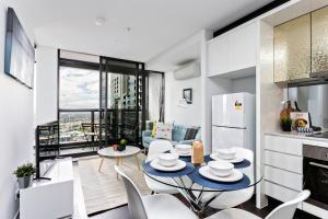 COMPLETE HOST Rose Lane CBD, Apartmány  Melbourne - big - 6