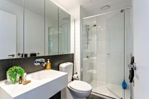 COMPLETE HOST Rose Lane CBD, Apartmány  Melbourne - big - 13