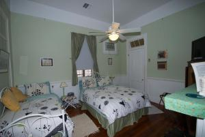 Room with Queen and Single Bed and Stall Shower