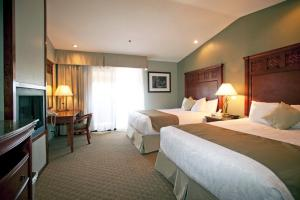 Best Western Plus Forest Park Inn - Gilroy, CA 95020