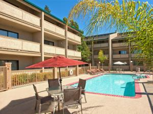Best Western Plus Forest Park Inn - Gilroy, CA 95020 - Photo Album