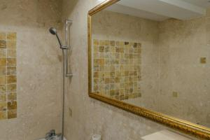 Exclusive Residence by the Park A15, Apartmány  Iaşi - big - 15