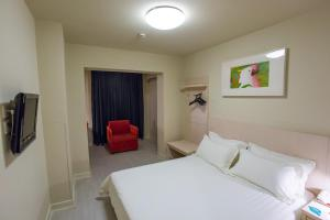 Mainland Chinese Citizens - Business Double Room C
