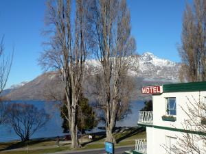 Photo of Lakeside Motel