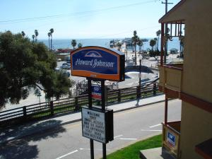 Photo of Howard Johnson Inn   Fisherman's Wharf Santa Cruz