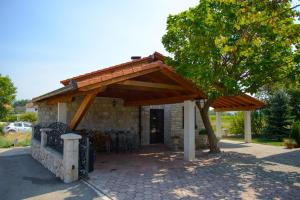 Cozy Comfortable House For Holiday, Case vacanze  Donji Proložac - big - 11