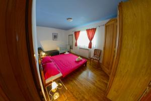 Cozy Comfortable House For Holiday, Case vacanze  Donji Proložac - big - 17