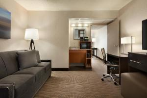 King Suite with Bath Tub - Disability Access - Non Smoking