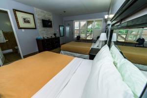 Premier Room with Two Double Beds - Non-Smoking