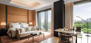 Premium Room with One King Bed  River View