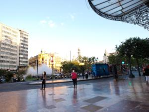 City Hall Square - Wolf, Apartmanok  Valencia - big - 37