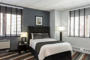 Superior Room with Queen Bed