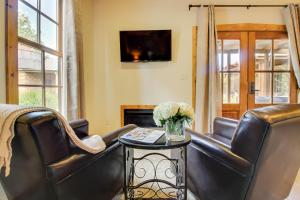 Wine Country Cottages on Main: Wine Thief, Holiday homes  Fredericksburg - big - 8