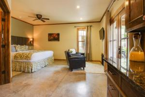Wine Country Cottages on Main: Wine Thief, Holiday homes  Fredericksburg - big - 7
