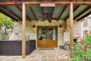 Wine Country Cottages on Main: Wine Thief, Holiday homes  Fredericksburg - big - 26