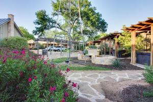 Wine Country Cottages on Main: Wine Thief, Holiday homes  Fredericksburg - big - 21