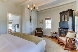 The Oak House, Case vacanze  Fredericksburg - big - 45