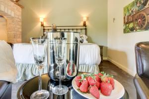 Wine Country Cottages on Main: Tank House, Case vacanze  Fredericksburg - big - 44