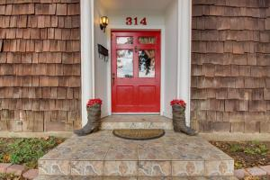 Red Door Retreat, Holiday homes  Fredericksburg - big - 19