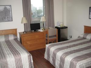 Standard Double Room with Two Double Beds with Private Bathroom