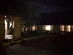 All over Africa Guest house, Guest houses  Kempton Park - big - 32