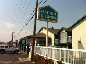 Rest Inn And Suites Tulsa