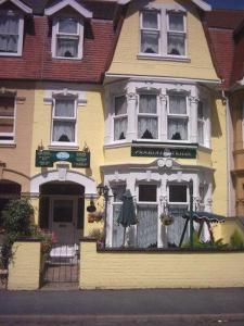 Avalon Hotel 4* Guesthouse Accommodation in Gorleston-on-Sea, Norfolk, England