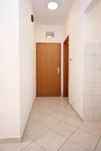 Apartment Pisak 7570b, Appartamenti  Mimice - big - 12