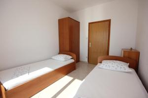 Apartment Pisak 7570b, Appartamenti  Mimice - big - 7