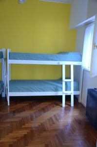 Single Bed in 4-Bed Dormitory Room with Private Bathroom