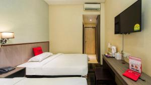 Deluxe Twin Room without window