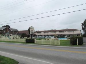 Photo of Cherry Lane Motor Inn Amish Country