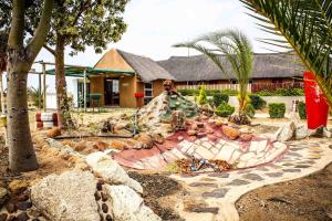 Madiba Inn, Bed & Breakfasts  Mahalapye - big - 7