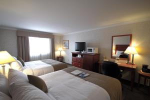 Queen Room with 2 Queen Beds - Non-Smoking