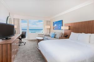 Queen Suite with Gulf View