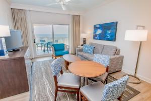 Queen Suite with Bunk Beds and Gulf View