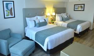 Executive Queen Suite with Two Queen Beds