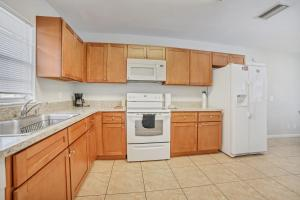 Prime Location , Private Pool , Located In Tampa, Holiday homes  Tampa - big - 8