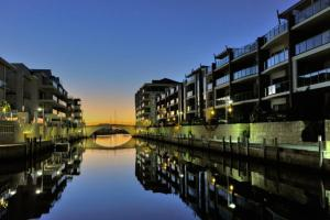 Photo of Waters Edge Luxury @ Mandurah   By The Canals