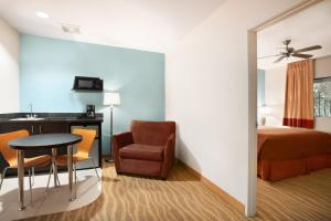 Queen Room - Disability Access - Ground Floor