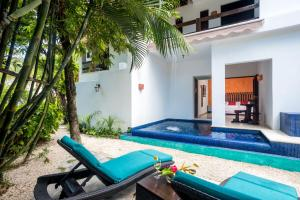 Deluxe Suite with Private Pool