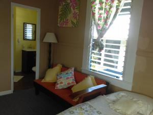 Twin Room with Private Entry (Downtown Hilo)