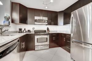One Bedroom Apartment with Balcony - 1311