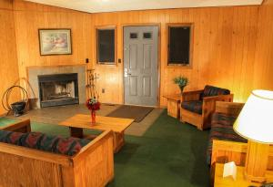 Four-Bedroom Cottage - Disability Access