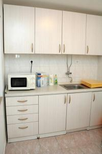 Apartment Sreser 4557a, Apartmány  Janjina - big - 7